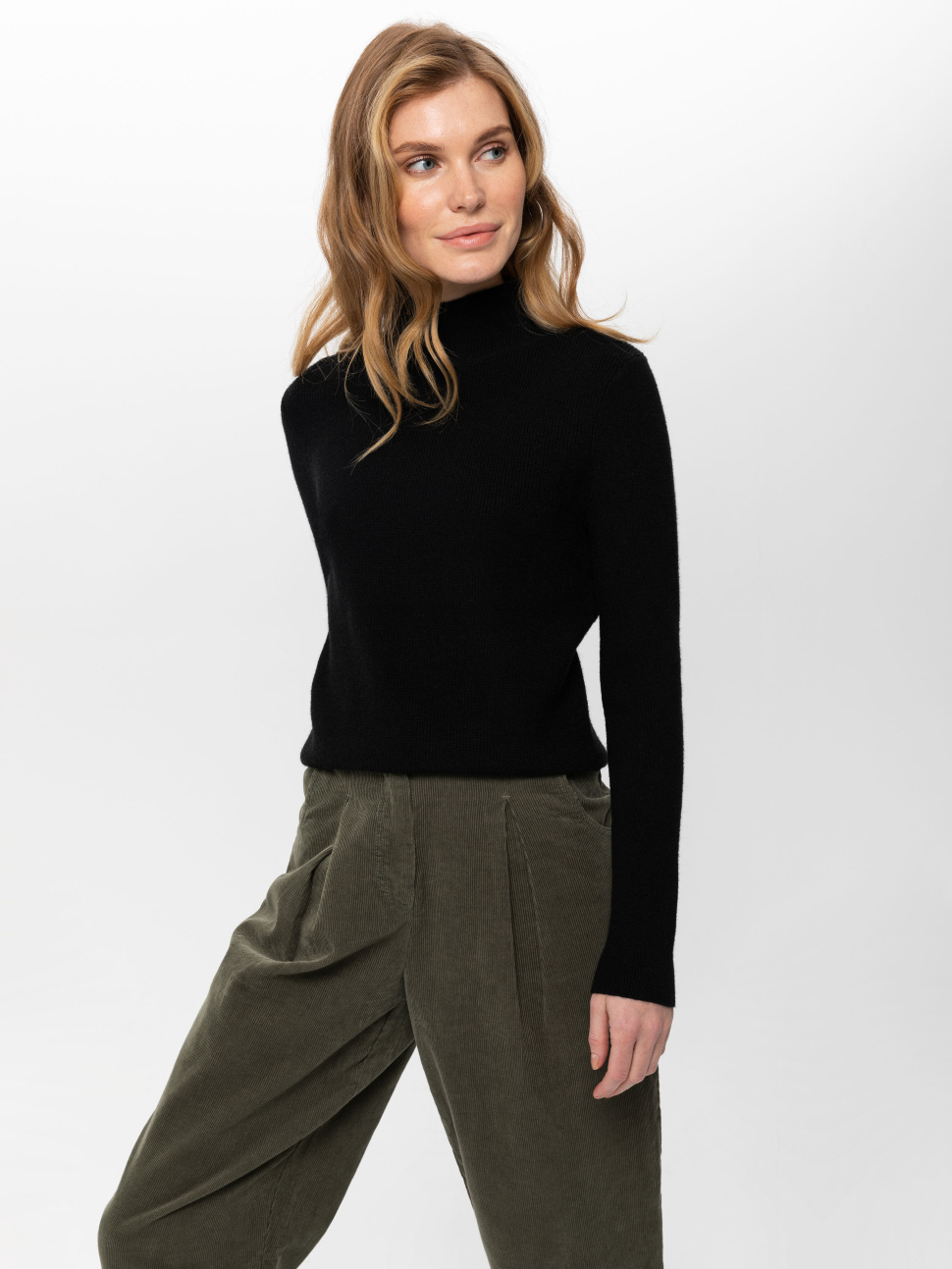 Джемпер женский цвет: черный, артикул: 0810010615 - купить в интернет-магазине sela